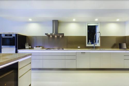 Lees alles over het verlichten van uw keuken met LED keukenverlichting