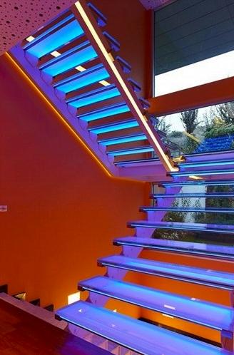 led strips voor de trap rgb 1