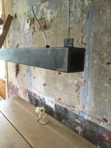 metalen balk hanglamp led design beugels
