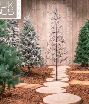 Kerstboom verlichting buiten